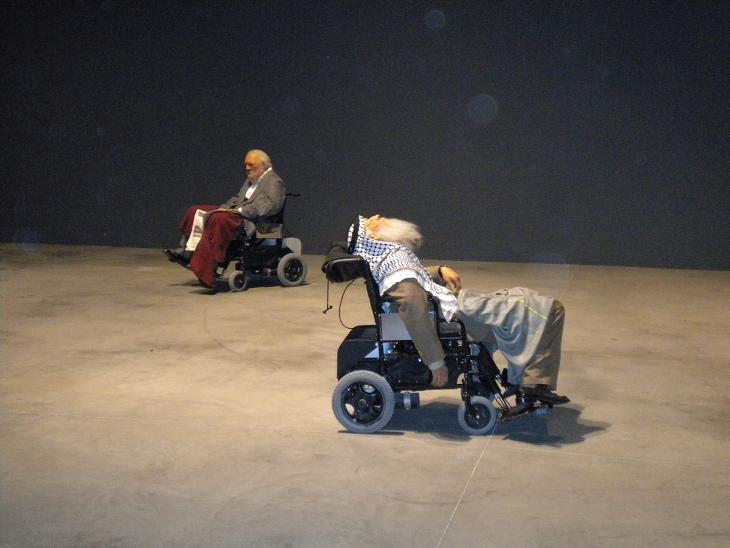 Московская биеннале современного искусства камерой Мастера Го