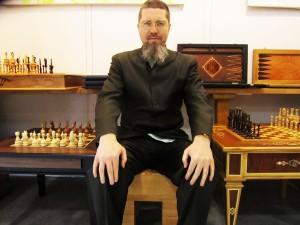 Мастер Го на шахматном табурете